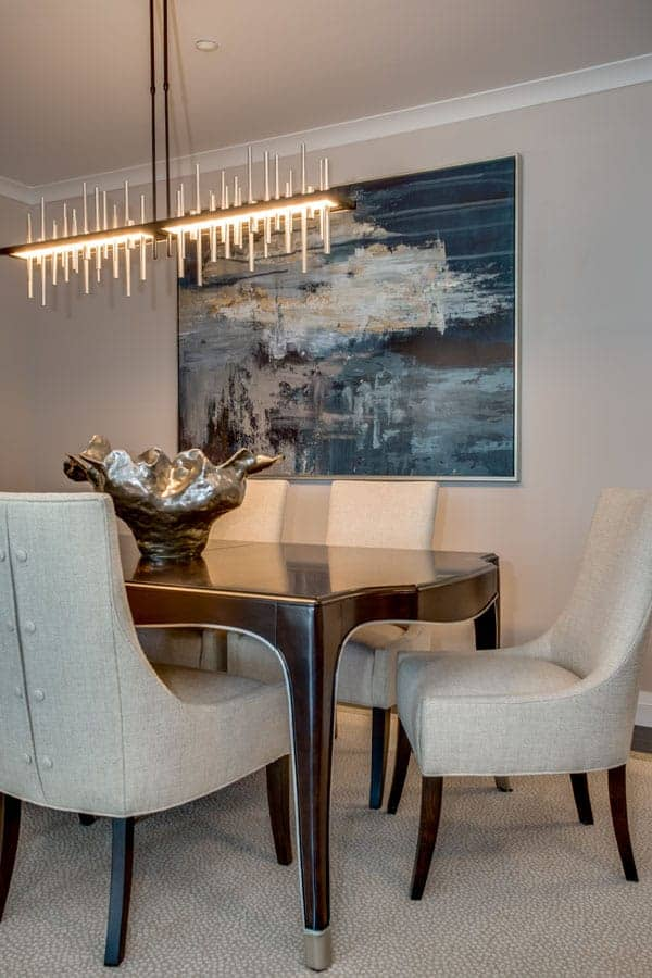 Country Pointe Plainview Dining Room